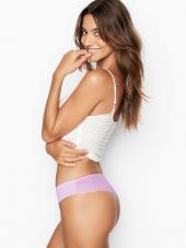 Nėriniuotos, string kelnaitės iš Victoria's Secret...